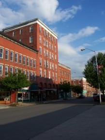A modern view of Davis Avenue, which runs through downtown Elkins.